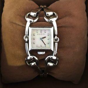 Gucci Watch Signoria Horsebit With Diamonds
